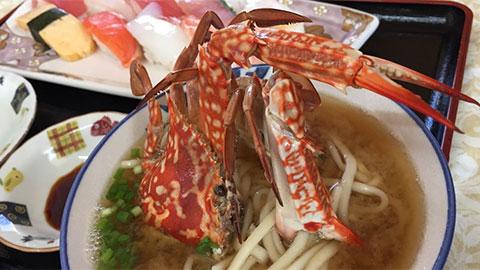 石川漁業婦人直売店 カニそばにぎり寿司